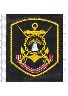 Шеврон Краснознаменная Кольская флотилия разнородных сил Северного флота (черный фон, желтый кант)